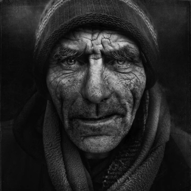 Arch2O-Black-And-White-Homeless-Portraits-Lee-Jeffries-16